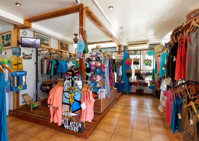 frijoles-locos-surf-shop6