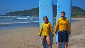 Couples surf lessons Costa Rica